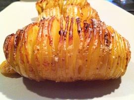 Pomme de terre suédoise dans décore a l'assiette pomme-de-terre-suedoise